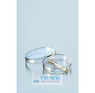 Boite de Petri pressee, divise en deux compartiments, diametre 100 mm hauteur 20 mm  . Duran Schott
